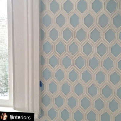 Wall tile, wall tile, bathroom tile, Kitchen tile, backsplash tile, custom tile, glass tile, backpainted glass, detailed honeycomb tile, white tile, wall tile