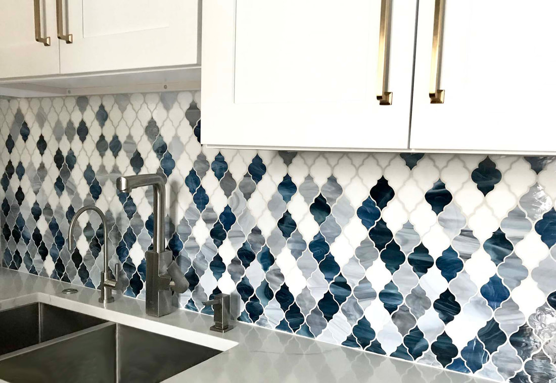 Kitchen backsplash, gradient, colourful blend of glass tile in white, blue and grey